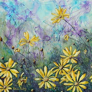Daisy Yellow by Patricia Pasbrig