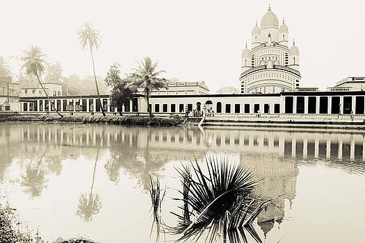 India - Dakshineswar Kali Temple, Ganges river, Kolkata-Calcutta, West Bengal by Jonathan Charpentier photography