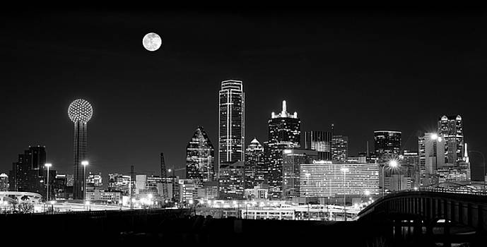 Dallas Pano B W Moon 020218 by Rospotte Photography