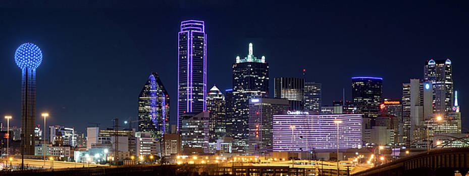 Dallas Purple Night 71417 by Rospotte Photography