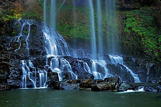 Dambri waterfall by Tran Minh Quan