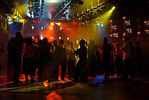 Dancing to the music by Zalman Latzkovich