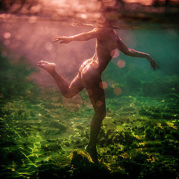 Dancing with colors by Gemma Silvestre