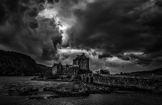 Dark Clouds BW #h2 by Leif Sohlman