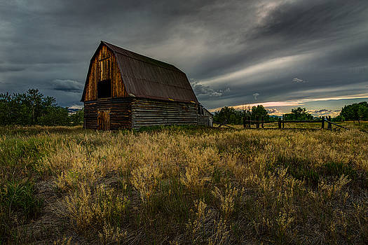 Rick Strobaugh - Dark Clouds over the Barn