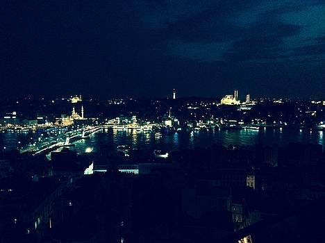 Istanbul  by Rabiah  Hasan