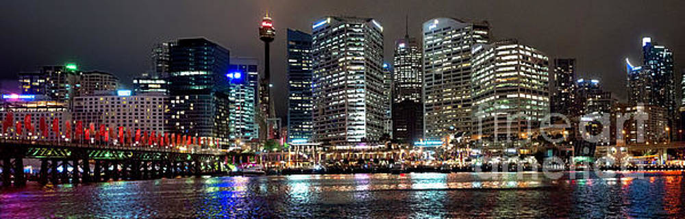 Darling Harbor of Sydney by Jim Chamberlain
