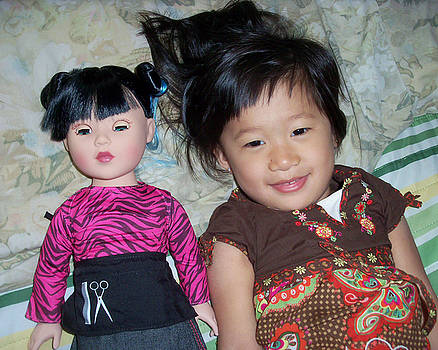 Tila - Daughter and Doll