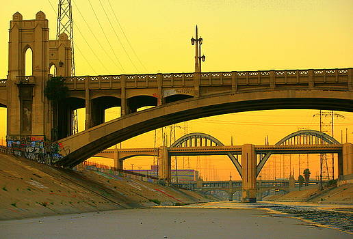 Dawn at 4th Street Bridge by Kevin  Break