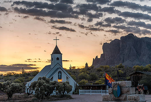 Dawn at the Superstitions by Leo Bounds