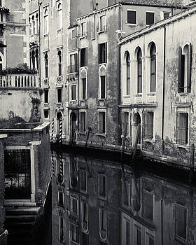 Richard Goodrich - Dawn Canal, Venice, Italy
