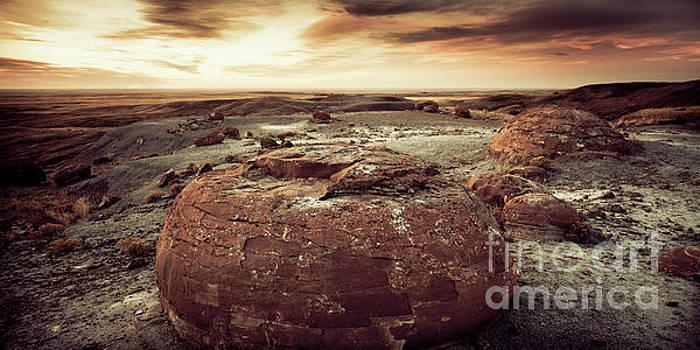Daylight Leaving Redrock by RicharD Murphy