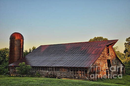 Days of Thunder Barn by Randy Rogers