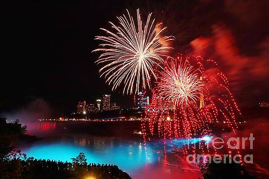 Dazzling Fireworks over Niagara Falls by Tony Lee