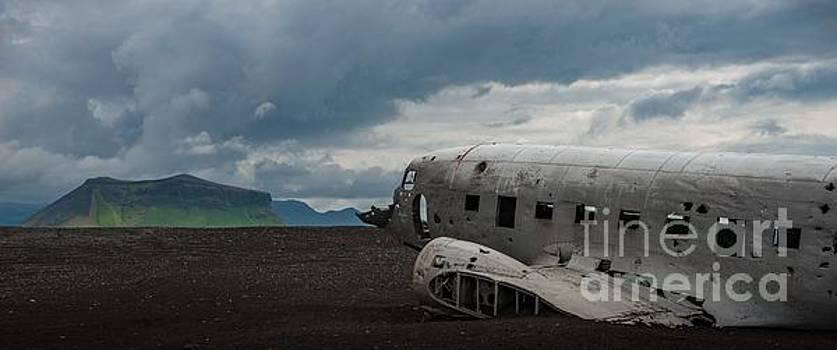 DC wreck by Mats Bjoerklund