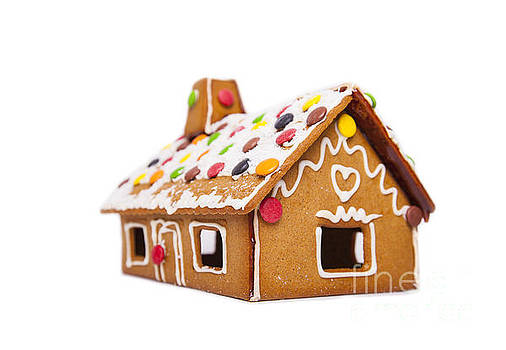 Sophie McAulay - Decorated gingerbread house