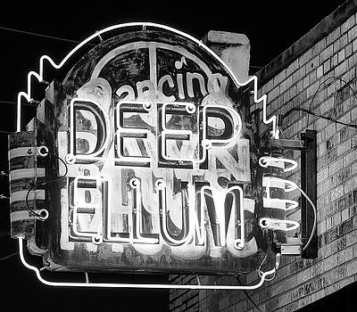 Deep Ellum Dancing B W 053118 by Rospotte Photography