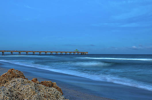 Deerfield Beach International Fishing Pier by Juergen Roth