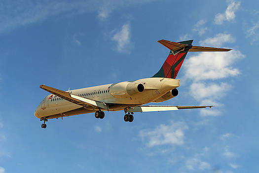 Delta Airlines Boeing 717-200 by Nichola Denny