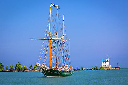 Jack R Perry - Denis Sullivan - Fairport Harbor Lighthouse
