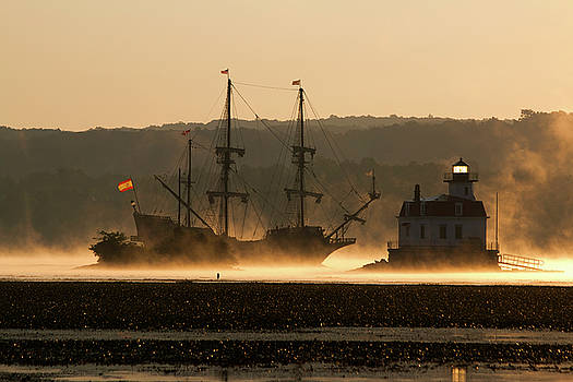 Departure of El Galeon I by Jeff Severson