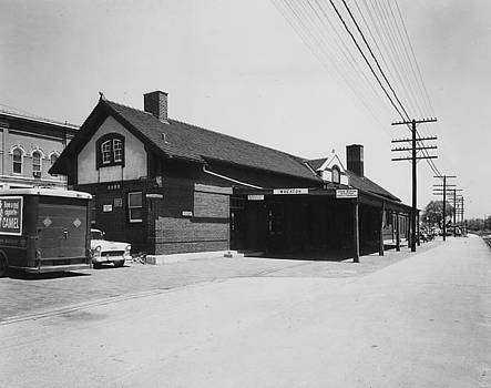 Chicago and North Western Historical Society - Depot in Wheaton Illinois - 1960