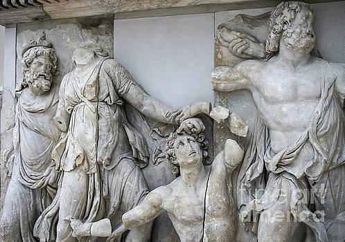 Patricia Hofmeester - Detail Pergamon altar in marble