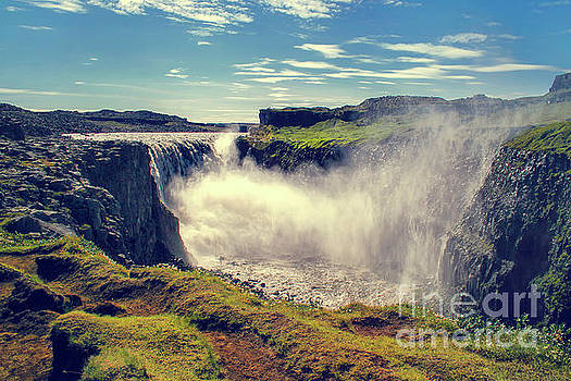 Patricia Hofmeester - Dettifoss waterfall, Iceland