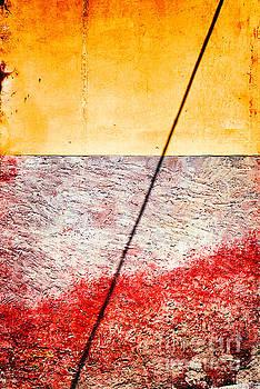 Silvia Ganora - Diagonal shadow on wall