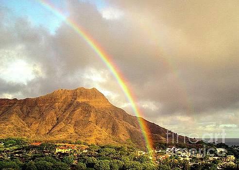 Diamond Head Crater - Double Rainbow by D Davila
