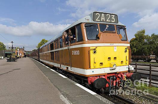 Diesel loco 5830 by Steev Stamford