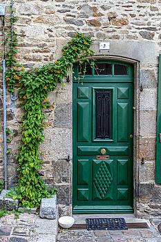 W Chris Fooshee - Dinan Door Number 3