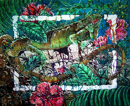 Dining at the Hibiscus Cafe - Iguana by Sue Duda
