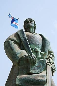 Diogo Gomes Statue by Antonio Gomes