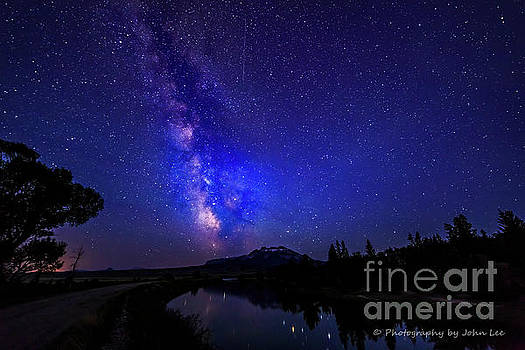 Ditch Bank Milky Way by John Lee