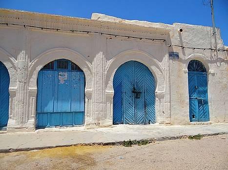 Djerba Street Art - Doors by Exploramum Exploramum