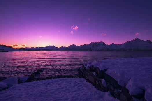 Djupvik by Tor-Ivar Naess