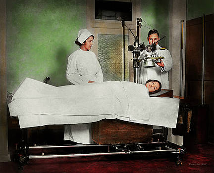 Mike Savad - Doctor - Xray - Getting my head examined 1920