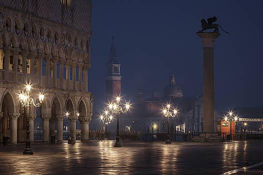 Doge's Palace by Antonio Violi