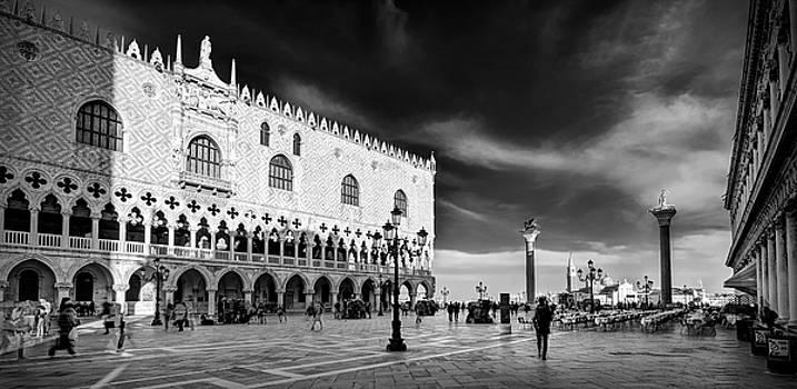 Doge's Palace Evening Time - Venice by Barry O Carroll