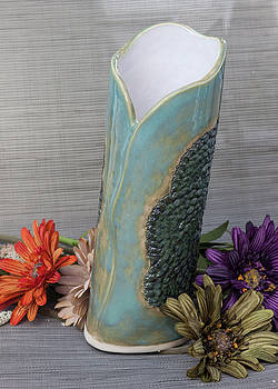 Doily Vase III by Suzanne Gaff