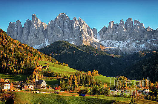 Dolomite village in autumn by IPics Photography