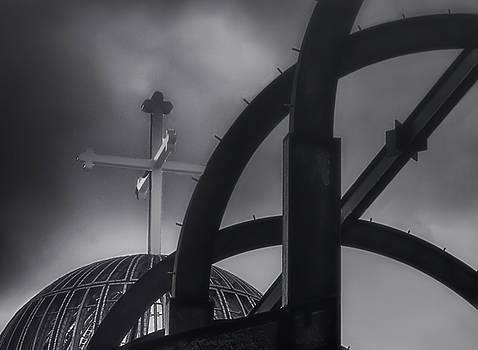 Dome Cross by Joseph Hollingsworth