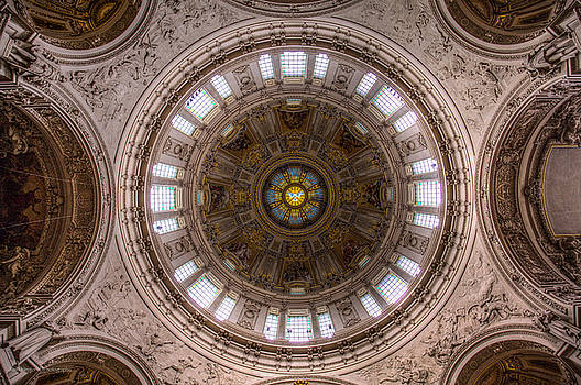 Dome of the Berliner Dom by Ross Henton