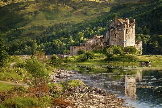 Donan Castle by Swen Stroop