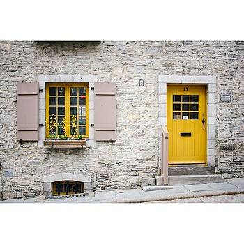 Door + Window.🇨🇦 #quebec #vsco by Shivendra Singh