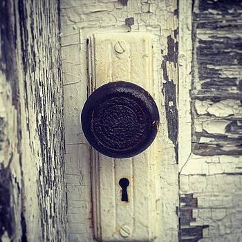 #door #doorknob #keyhole #keyholelove by Sharon Halteman