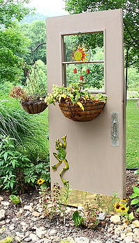 Allen Nice-Webb - Door Planter
