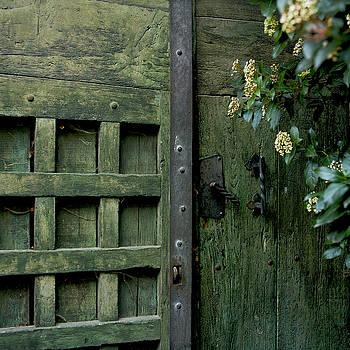 BERNARD JAUBERT - Door with padlock