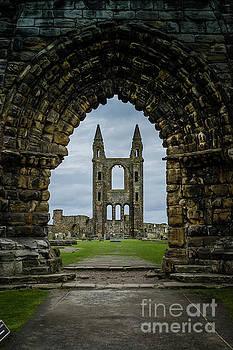 Doors to history of Scotland by Anna Wisniewska